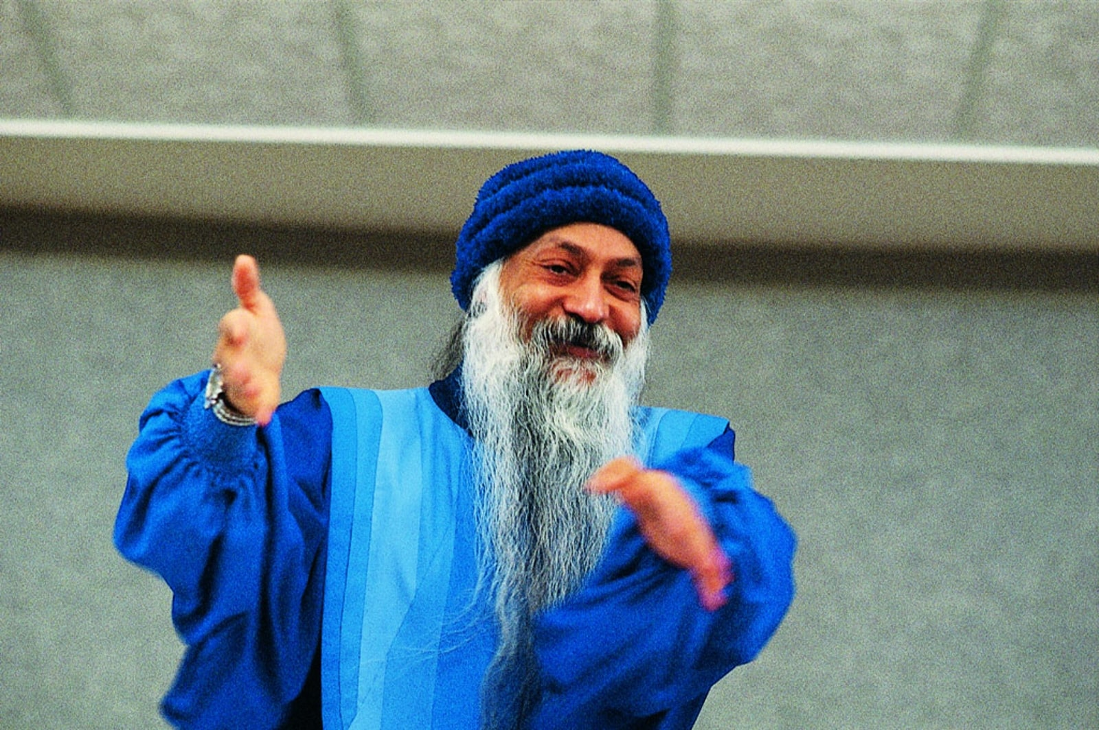 Osho blue clothes